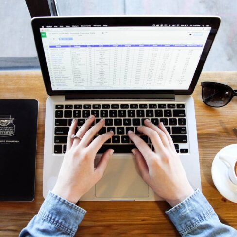 5 reasons not to manage absence with spreadsheets & paper records