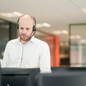 e-days employee on support call